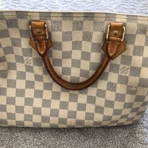 AUTHENTIC Louis Vuitton!